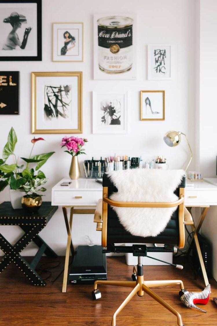 desk 1.jpg